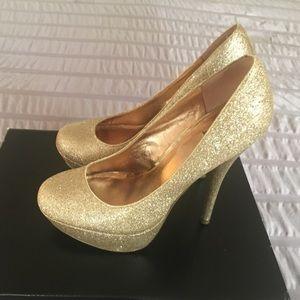 Bakers glitter gold heel pumps size 6